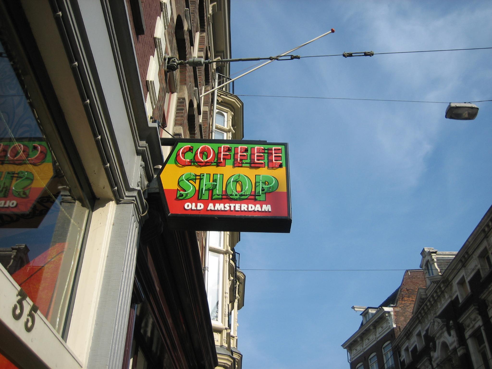 Het bezoeken van een coffeeshop Amsterdam